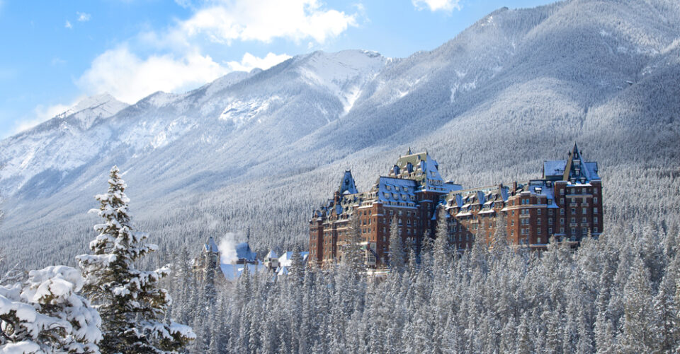 Fairmont Hotels in Canada's Western Mountain Region Named in Forbes Travel Guide's 2021 Star Awards